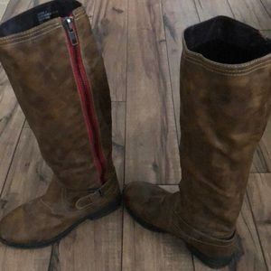 Steve Madden Zandora Distressed Side Zip Boot